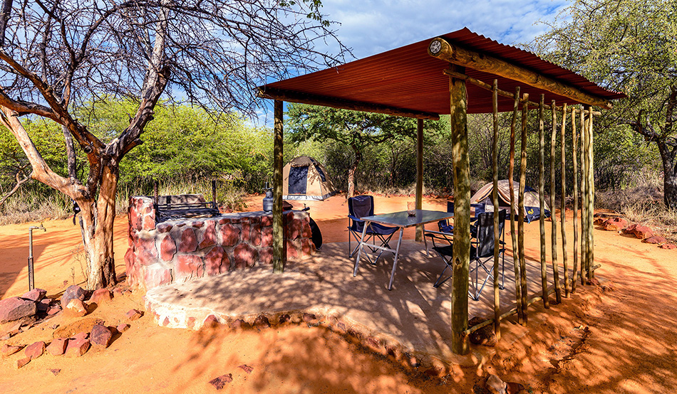 The new pitches of the Waterberg Plateau Campsite are also equipped with a shaded roof, a water connection and a barbecue