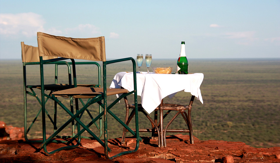 Photo (honeymoon sundowner) – Perfect setting for an unforgettable sundowner